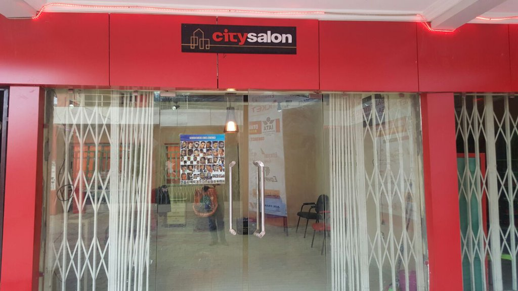City Salon (@Emeraldish_Xeey)
